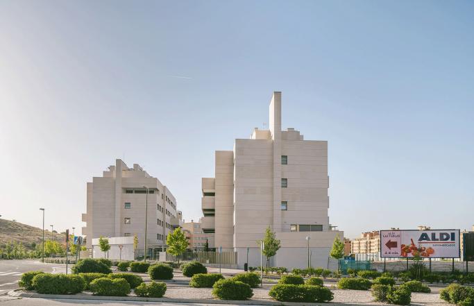 """Edificio Residencial """"Valtablas"""""""